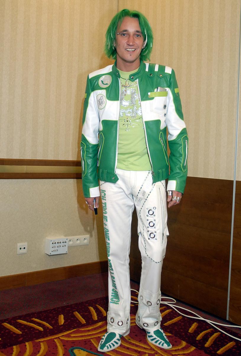 Michał Wiśniewski w zielonych włosach, 2006 rok /Kurnikowski /AKPA