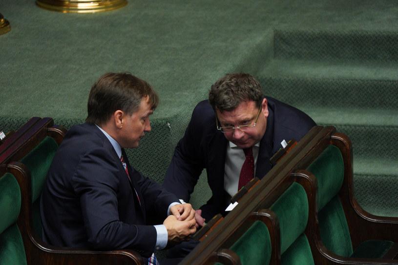 Michał Wójcik w towarzystwie Zbigniewa Ziobry /Jacek Domiński /Reporter