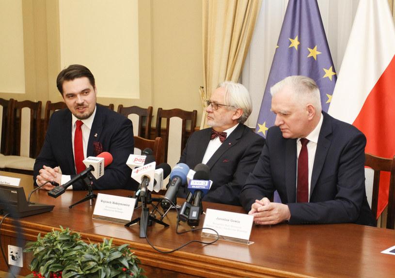 Michał Wypij, Wojciech Maksymowicz i Jarosław Gowin /Artur Szczepański /Reporter