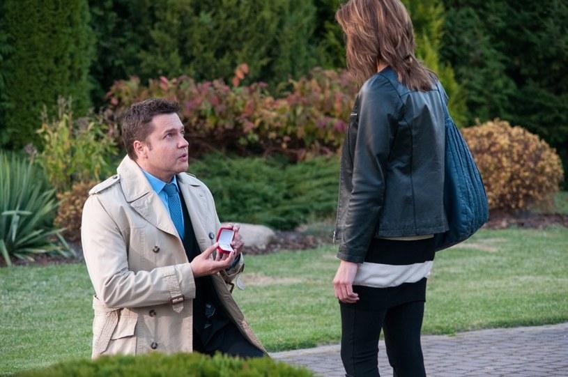 Michał zrozumie swój błąd i poprosi Kingę, by go nie skreślała /Agencja W. Impact