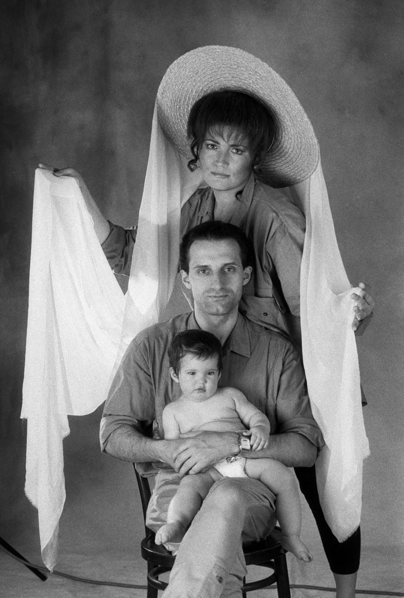Michalina Olszańska z mamą Agnieszką Fatygą i ojcem Wojciechem Olszańskim, 1992 r. /Maciej Osiecki /Agencja FORUM