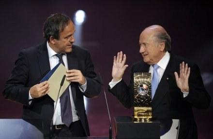Michel Platini (z lewej) i Sepp Blatter /AFP