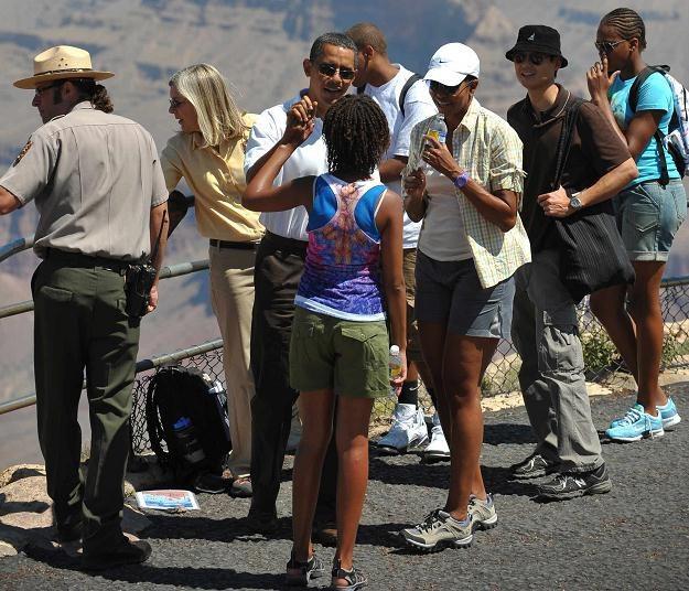 Michelle Obama w szortach podczas rodzinnych wakacji w Wielkim Kanionie /AFP