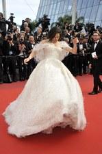 Michelle Rodriguez miała problem z poruszaniem się na czerwonym dywanie!