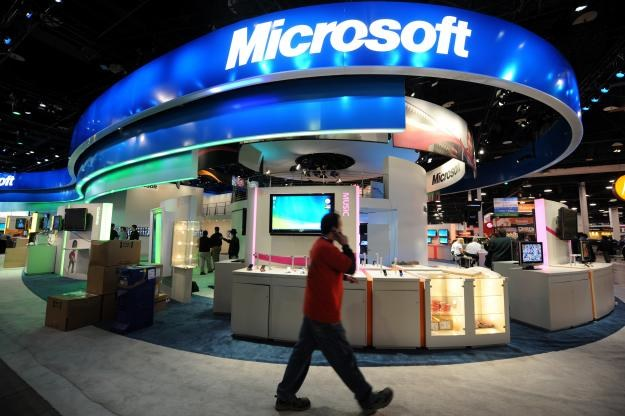 Microsoft ogłosił rozpoczęcie wprowadzania poprawek przy wyświetlaniu napisów w filmach online /AFP
