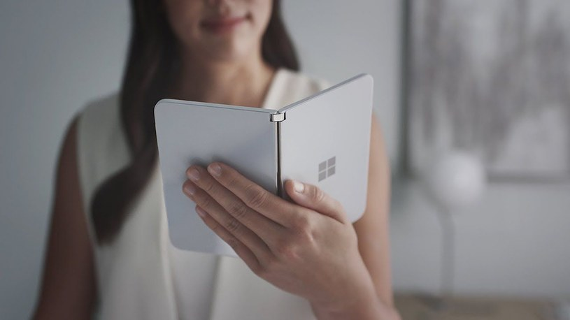 Microsoft Surface Duo / /materiały prasowe