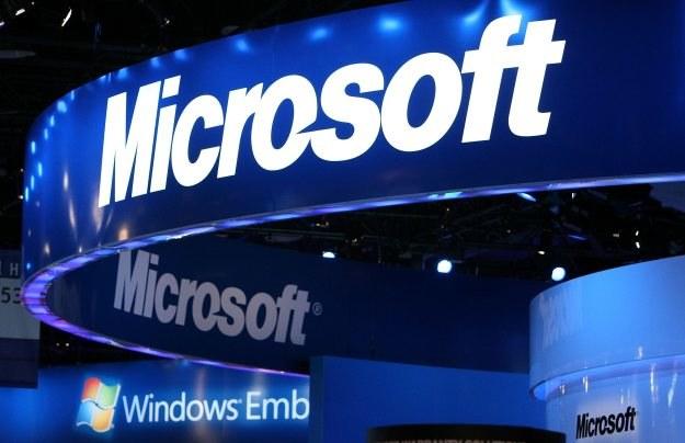 Microsoft wystąpił na drogę sądową przeciw Samsungowi. /AFP