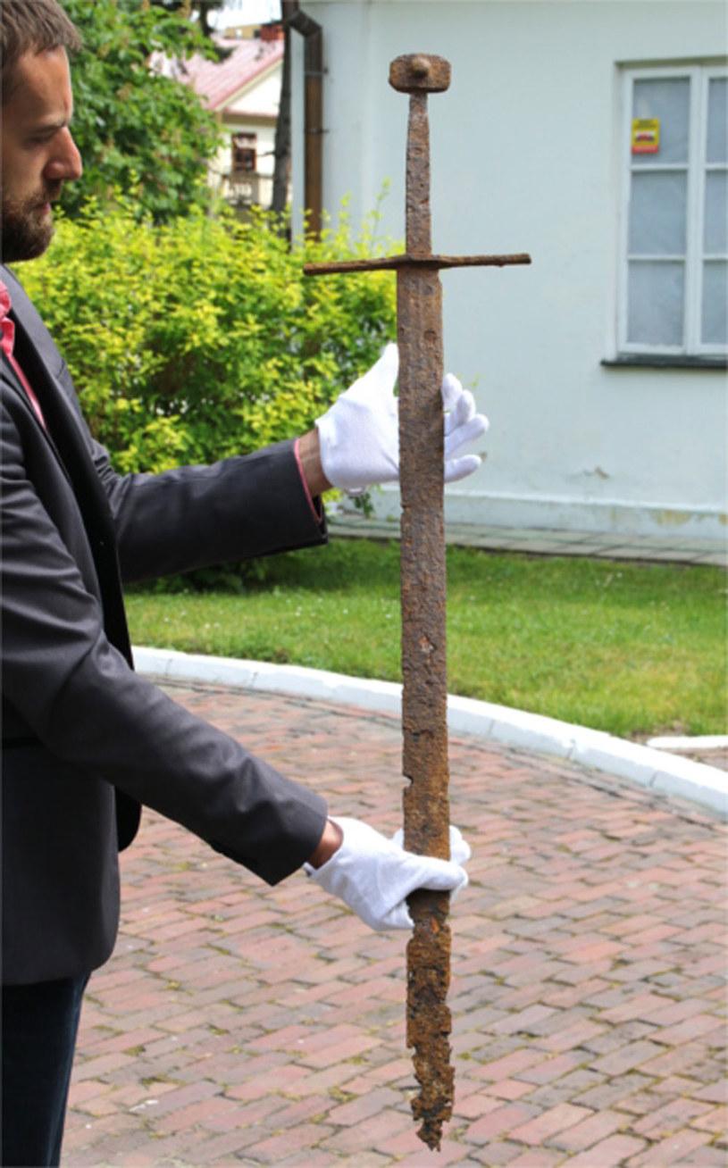 Miecz odkryto w ubiegłym tygodniu podczas prac w gminie Mircze /Muzeum im. ks. Stanisława Staszica w Hrubieszowie /&nbsp