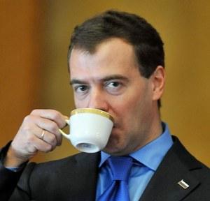 """Miedwiediew lubi """"kolegów"""", ale decyzje już podjęte"""