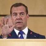Miedwiediew: Przyszłością może być czterodniowy tydzień pracy