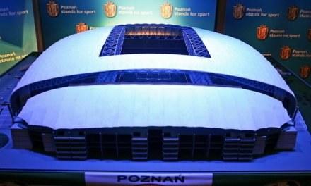 Między innymi na stadion w Poznaniu zostaną przeznaczone pieniądze z budżetu /AFP