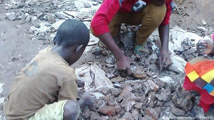 Międzynarodowa Organizacja Pracy piętnuje światowe koncerny, które w niedostatecznym stopniu zwalczają pracę dzieci /Deutsche Welle