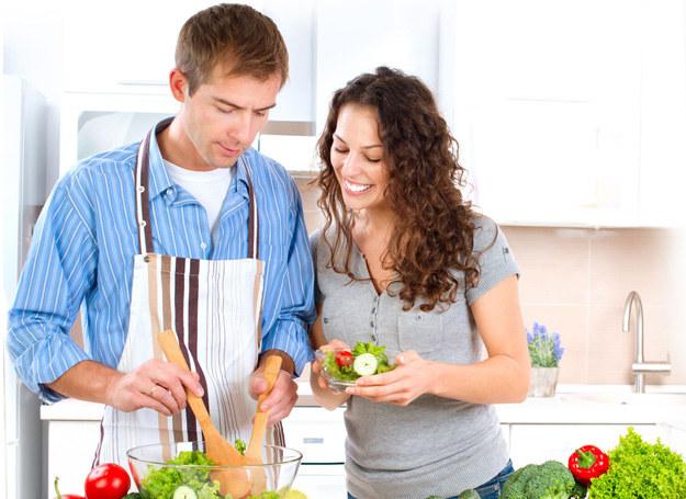 Miejmy nadzieję, że moda na zdrową żywność szybko nie przeminie /123RF/PICSEL