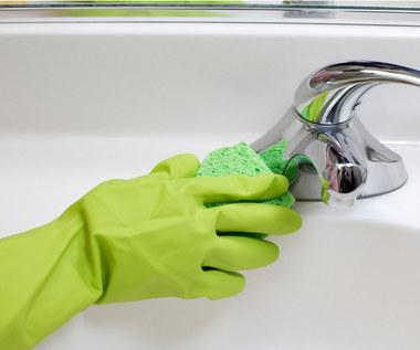 Miejsca w łazience, które najczęściej nie są odpowiednio wyczyszczone