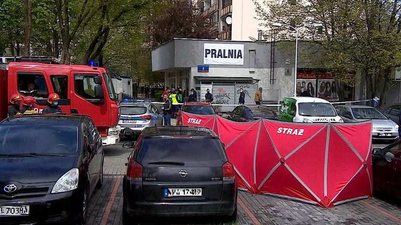 Miejsce interwencji policji w Warszawie. Oddano strzały /Polsat News
