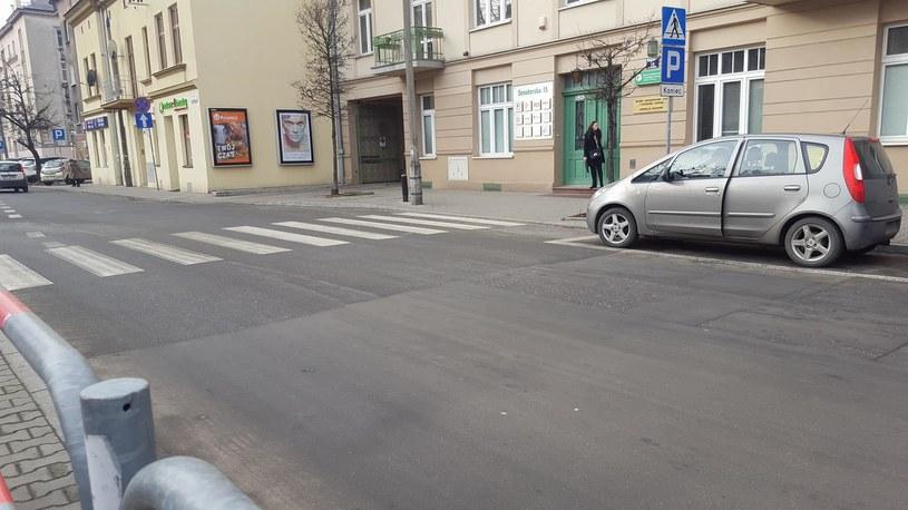 Miejsce postojowe tuż przed przejściem? Tylko w Krakowie /INTERIA.PL
