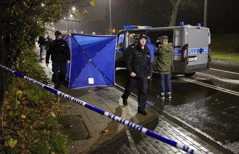 Miejsce śmiertelnego ataku nożownika w Gdańsku Lipcach na Trakcie św. Wojciecha /Jan Dzban /PAP