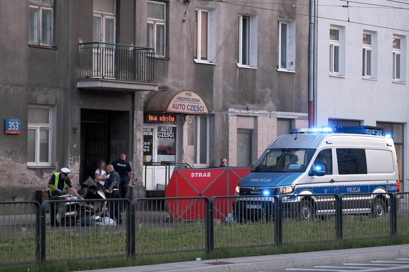 Miejsce śmiertelnego wypadku w pobliżu skrzyżowania ul. Grochowskiej i ul. Mińskiej na warszawskim Kamionku /PAP/Mateusz Marek /PAP