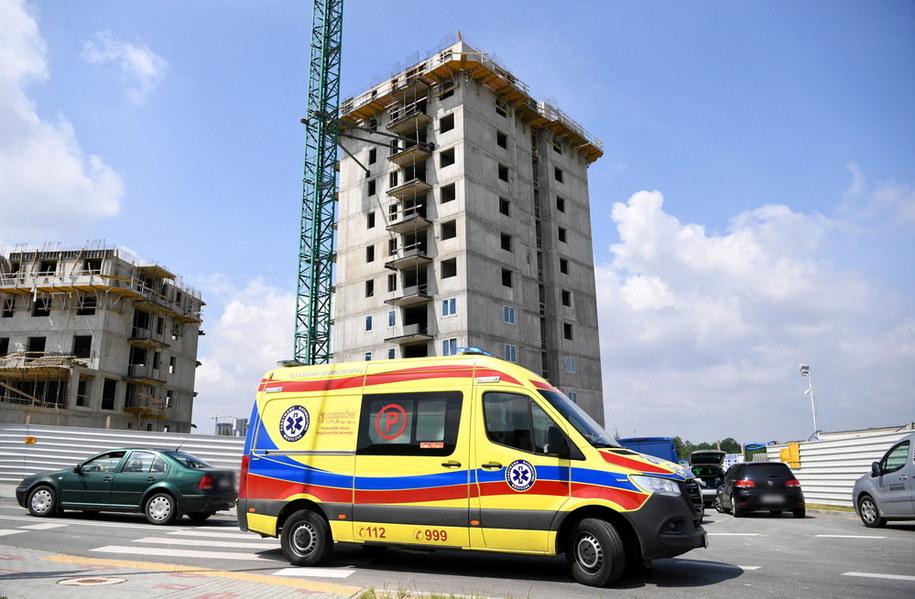 Miejsce tragicznego wypadku na budowie wieżowca w Rzeszowie /Darek Delmanowicz /PAP