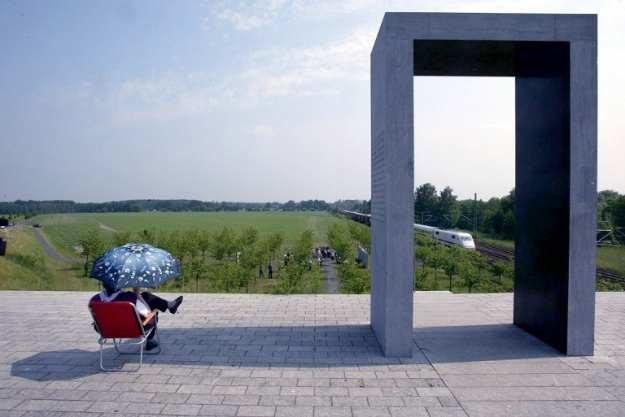 Miejsce upamiętniające katastrofę z 1998 roku w Eschede (Dolna Saksonia) /AFP