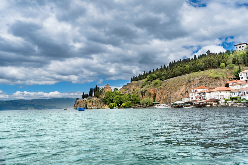 Miejsce, w którym leży Jezioro Ochrydzkie jest w prawosławiu uznawane za święte /123RF/PICSEL