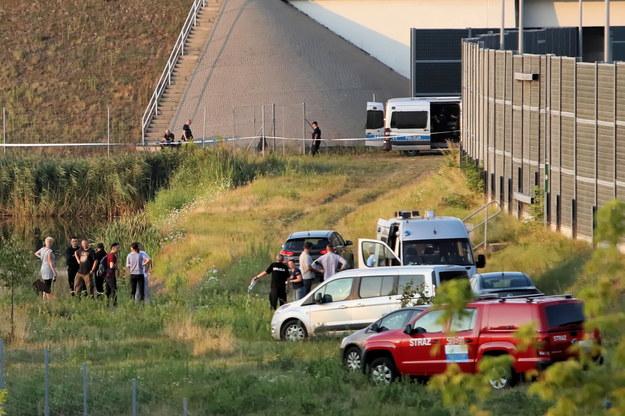 Miejsce w okolicy autostrady A2 na trasie między stolicą a Grodziskiem Mazowieckim, gdzie  znaleziono ciało Dawida /Leszek Szymański /PAP