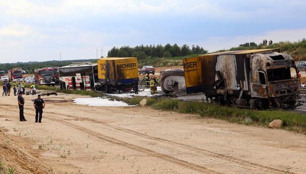 Miejsce wypadku na drodze krajowej nr 1 w Bogusławicach /Waldemar Deska /PAP