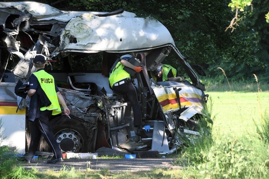 Miejsce wypadku na drodze powiatowej w Mierzynie w pow. wejherowskim/ Zdjęcie ilustracyjne /Marcin Gadomski /PAP
