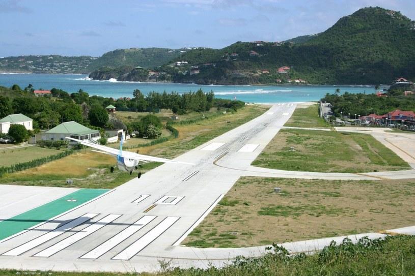 Miejscowe lotnisko ma opinię jednego z najniebezpieczniejszych na świecie /123RF/PICSEL
