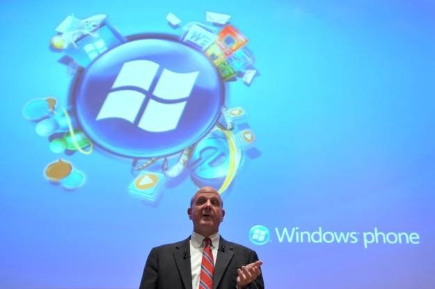 Mieliśmy problemy (i nadal jeszcze mamy) z Xbox Live - czy z Windows Phone 7 będzie podobnie? /AFP