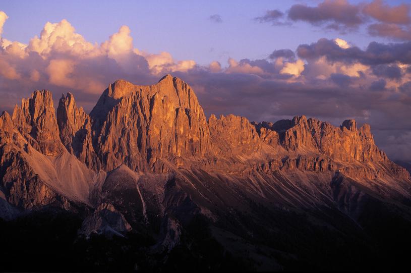 Mieniące się kolorami Dolomity to widok, który na długo zostaje w pamięci /materiały prasowe