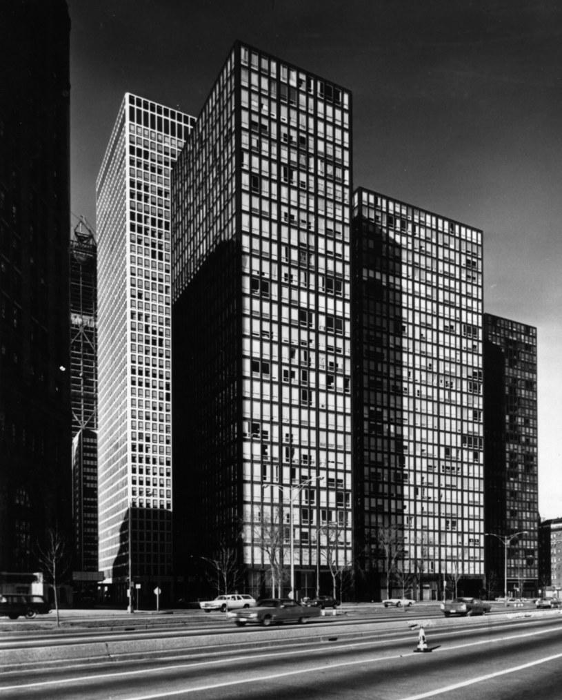 Mies van der Rohe stworzył przeszkole domy przy Lake Shore Drive 860-880 w Chicago /Getty Images