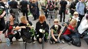 Miesięcznica smoleńska: Policja usunęła blokujących Krakowskie Przedmieście