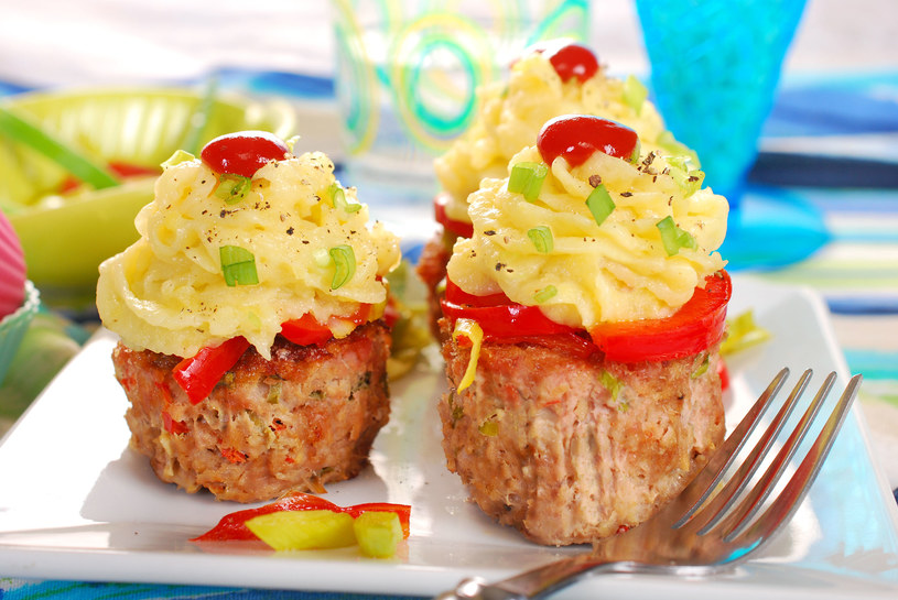 Mięsne muffiny z ziemniakami /©123RF/PICSEL