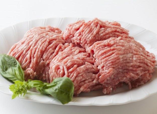 Mięso mielone - najlepiej smakuje mieszane! /123RF/PICSEL