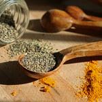 Mieszanka czarnego pieprzu i kurkumy- korzyści dla twojego zdrowia