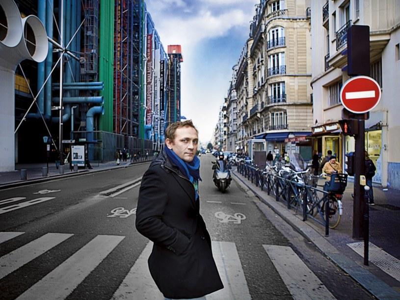 Mieszka w Marias, jednej z najmodniejszych paryskich dzielnic  /Krzysztof Opalińśki /Twój Styl