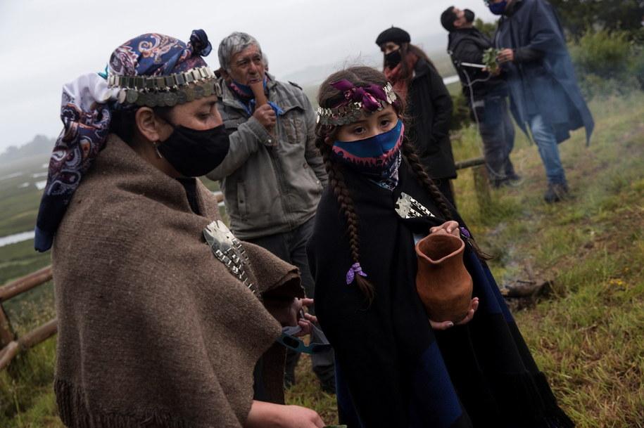 Mieszkańcy Araukanii /Alberto Valdes /PAP/EPA