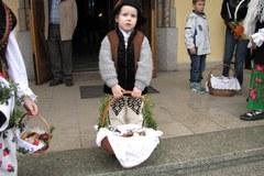 Mieszkańcy Białego Dunajca w drodze na święcenie koszyków