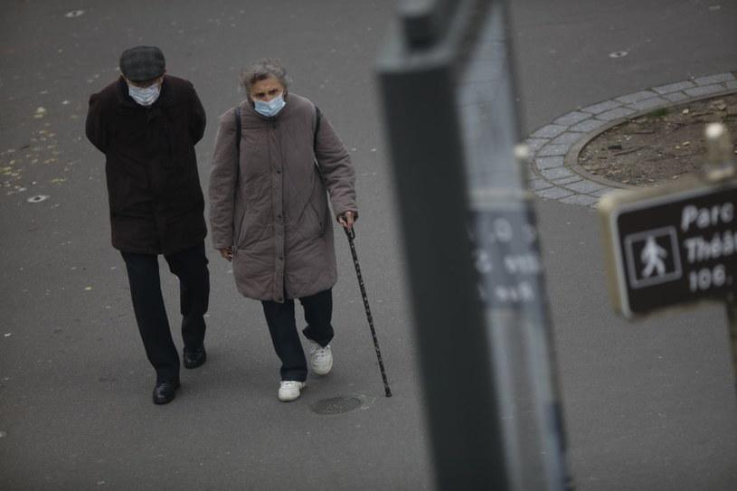 Mieszkańcy Francji na spacerze /Mehdi Taamallah/NurPhoto /Getty Images