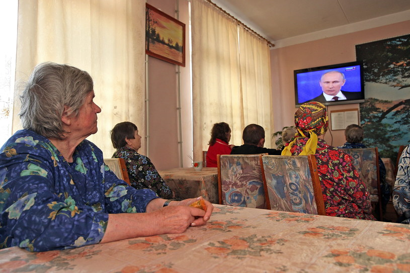 Mieszkańcy Krymu /PAP/EPA