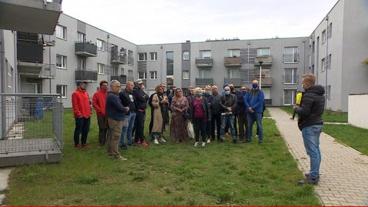 Mieszkańcy obawiają się, że wkrótce będą musieli opuścić swoje mieszkania /Polsat News