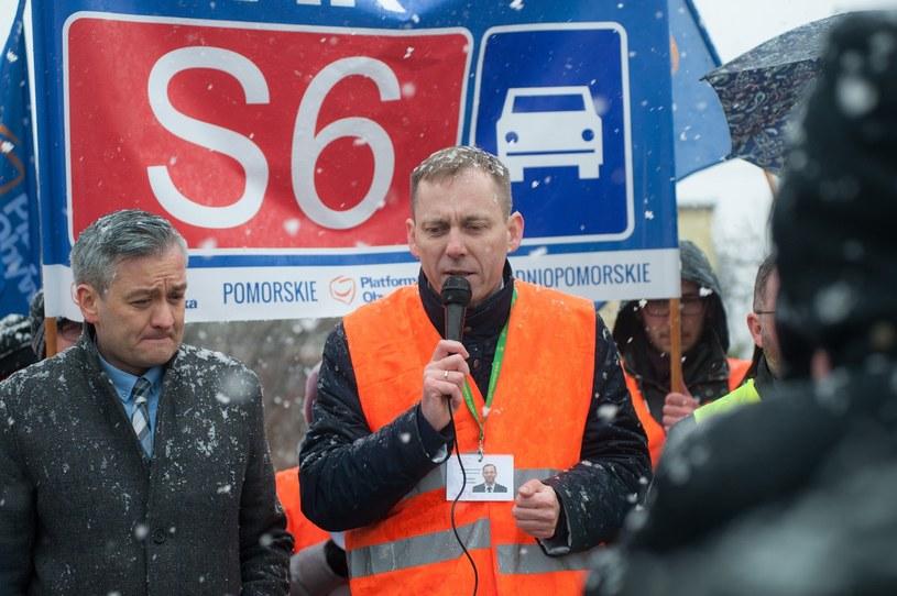 Mieszkańcy Pomorza od dawna domagają się budowy drogi S6. Niestety w okolicach Słupska powstanie nieprędko /Marcin Kamiński /East News