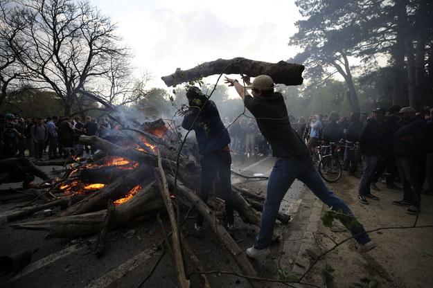 Mieszkańcy protestowali przeciwko koronawirusowym obostrzeniom /OLIVIER HOSLET /PAP/EPA