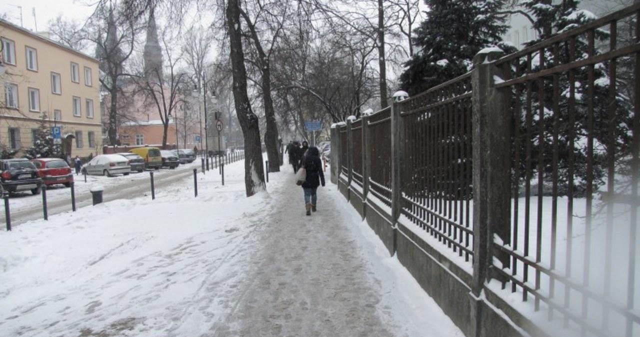 Mieszkańcy Pruszkowa toną w śniegu