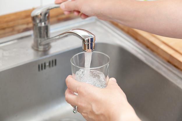 Mieszkańcy przepłacają za wodę /©123RF/PICSEL