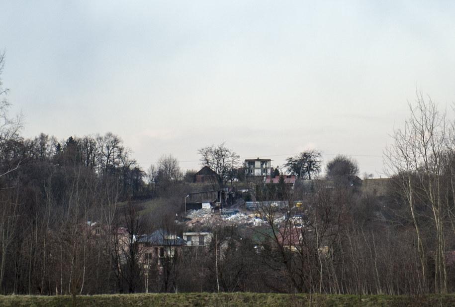 Mieszkańcy Wieliczki od wielu lat walczą z nielegalnym składowiskiem /Przemysław Błaszczyk /RMF MAXXX