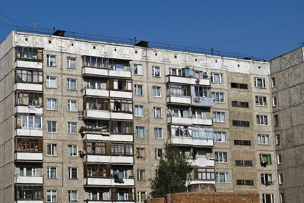 Mieszkania są zagrzybione, zawilgocone, wymagające poważnych napraw, a niekiedy generalnego remontu /©123RF/PICSEL
