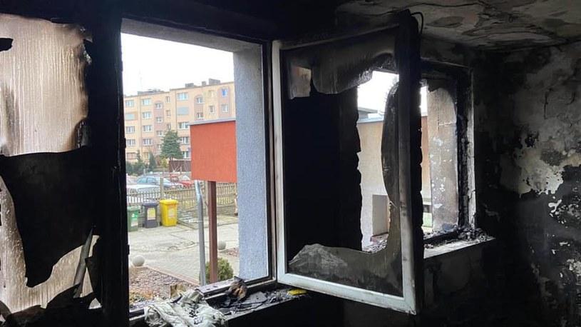 Mieszkanie doszczętnie spłonęło /KPPSP w Kędzierzynie-Koźlu /facebook.com
