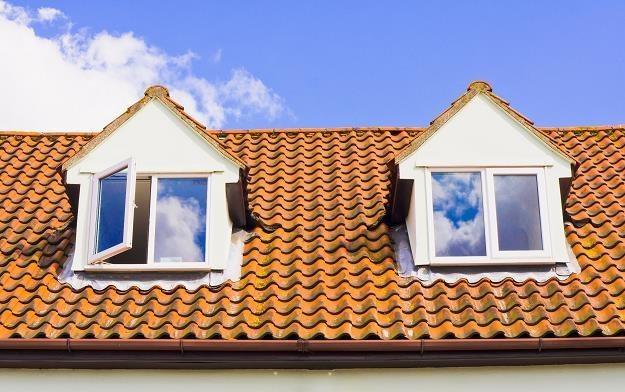 Mieszkanie na poddaszu to atrakcyjna oferta dla tych, którzy szukają możliwości ciekawej aranżacji /©123RF/PICSEL